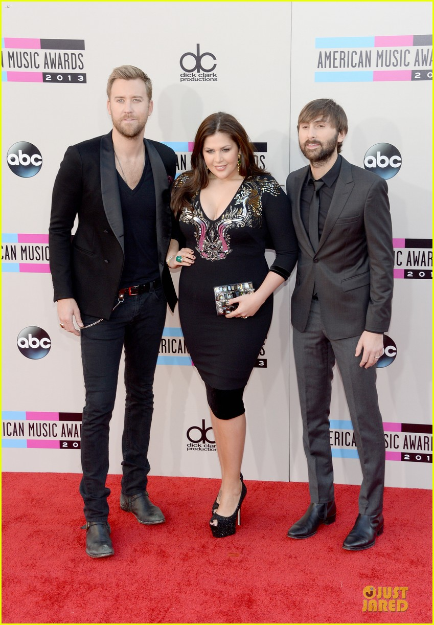 lady antebellum amas 2013 red carpet 052999237