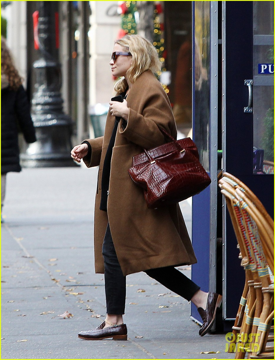 ashley olsen madison avenue shopper 042998883