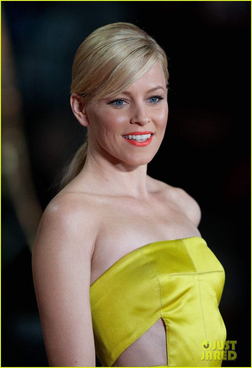 elizabeth banks jena malone catching fire world premiere 142990499