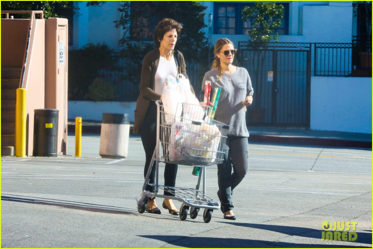 drew barrymore thanksgiving grocery shopping 123001987