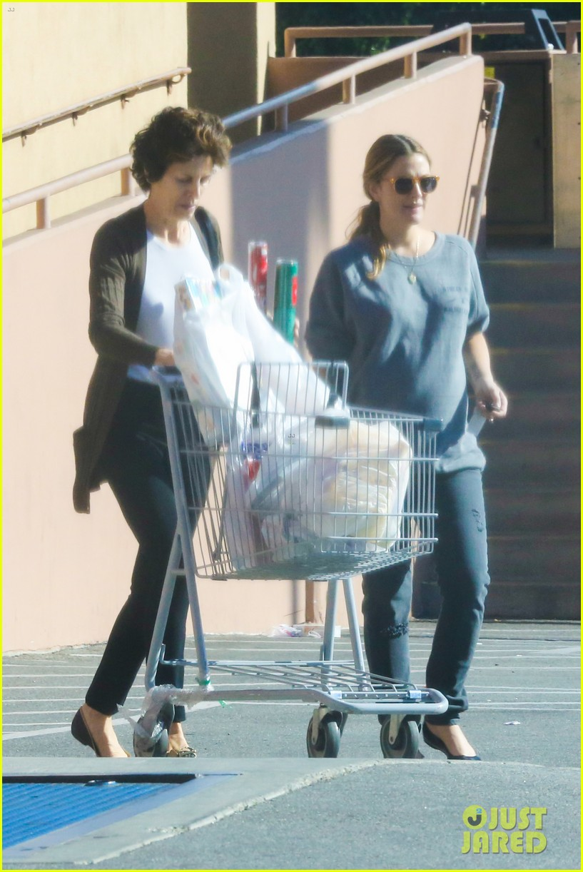 drew barrymore thanksgiving grocery shopping 133001988