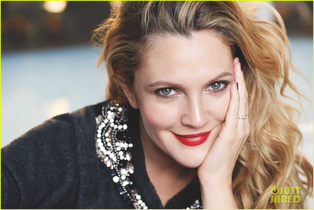 drew barrymore covers womens health december 2013 01
