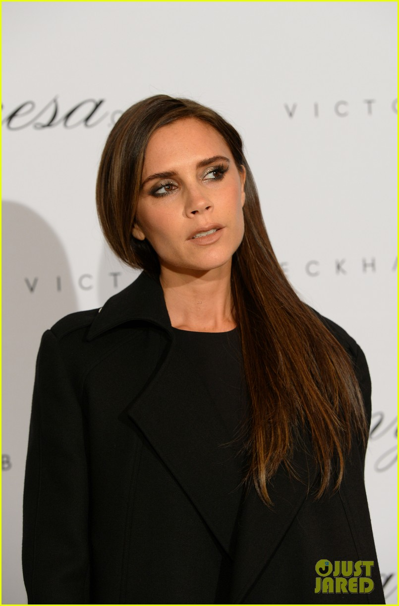 victoria beckham presents spring summer collection 022993329