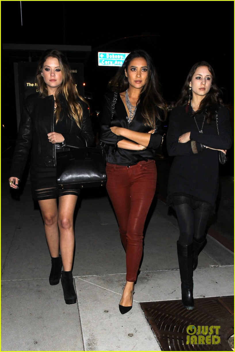 ashley benson shay mitchell pretty little liars wrap party 03