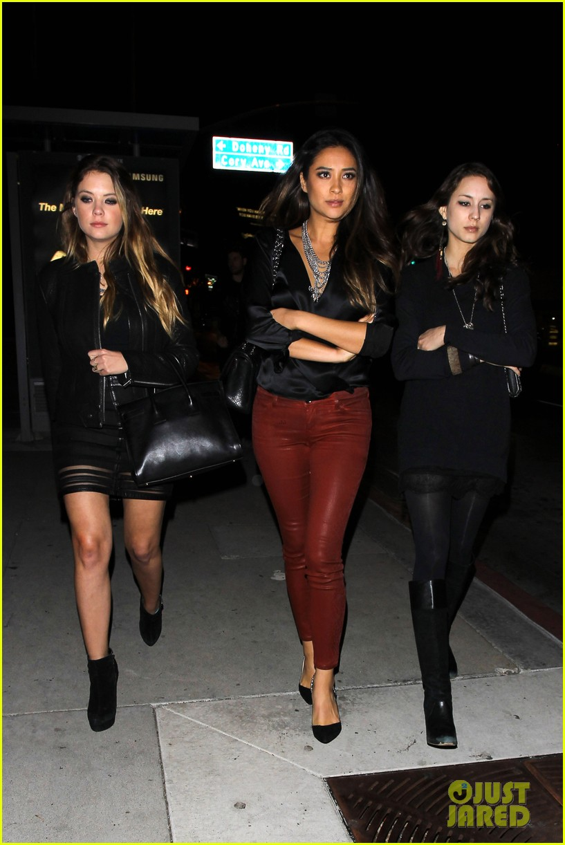 ashley benson shay mitchell pretty little liars wrap party 11
