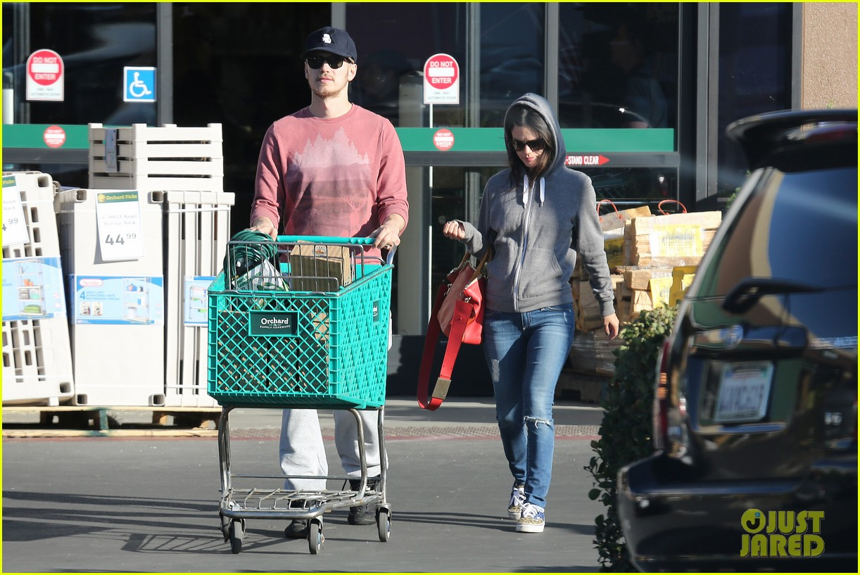 rachel bilson hayden christensen shop for home goods 07