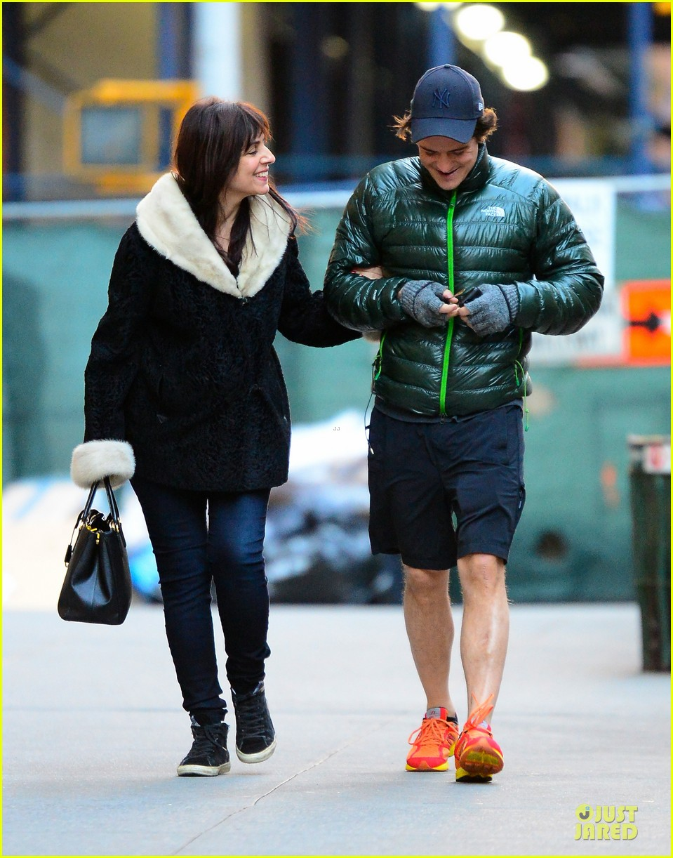orlando bloom hooks arms with mystery woman in nyc 032988606