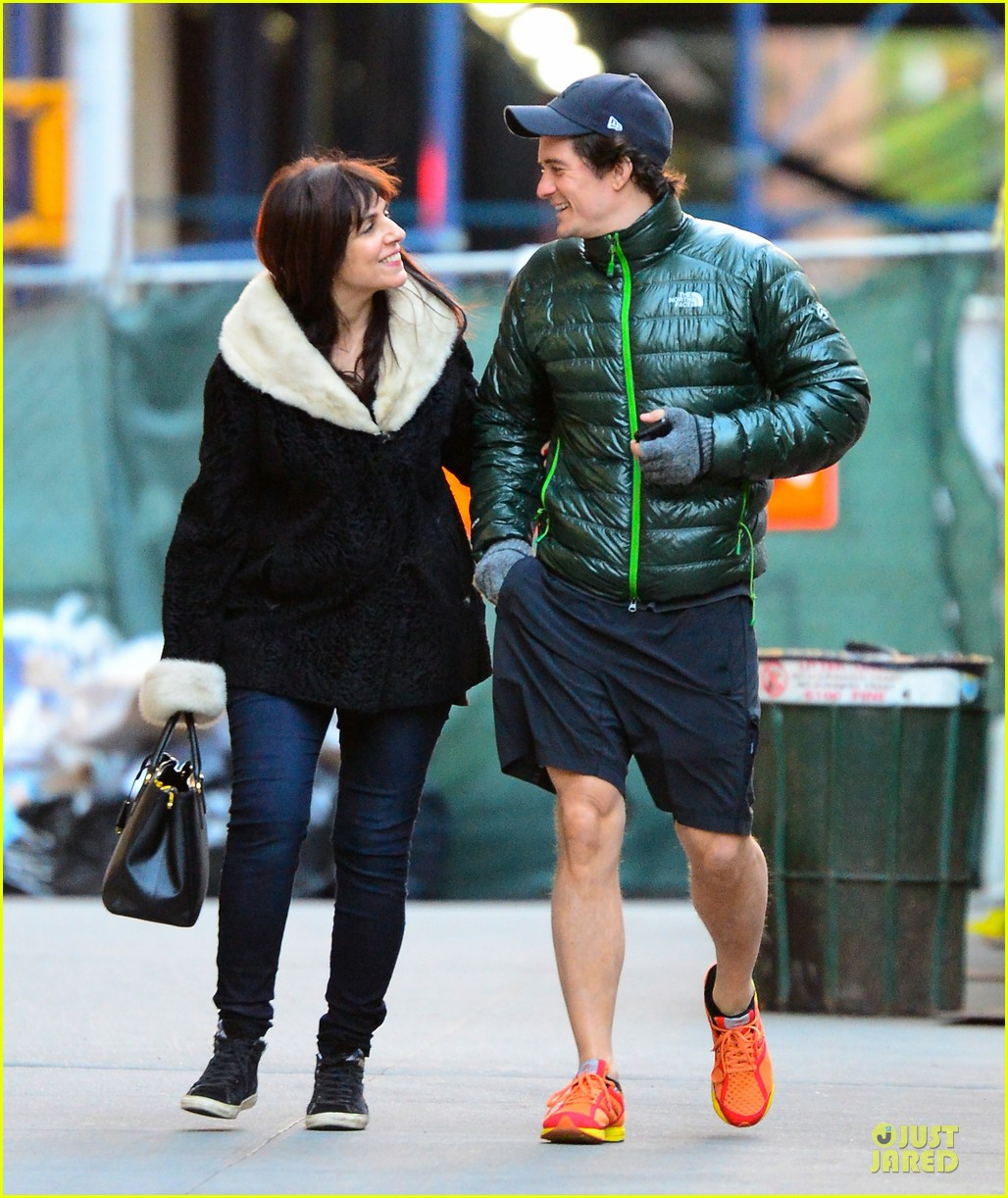 orlando bloom hooks arms with mystery woman in nyc 05