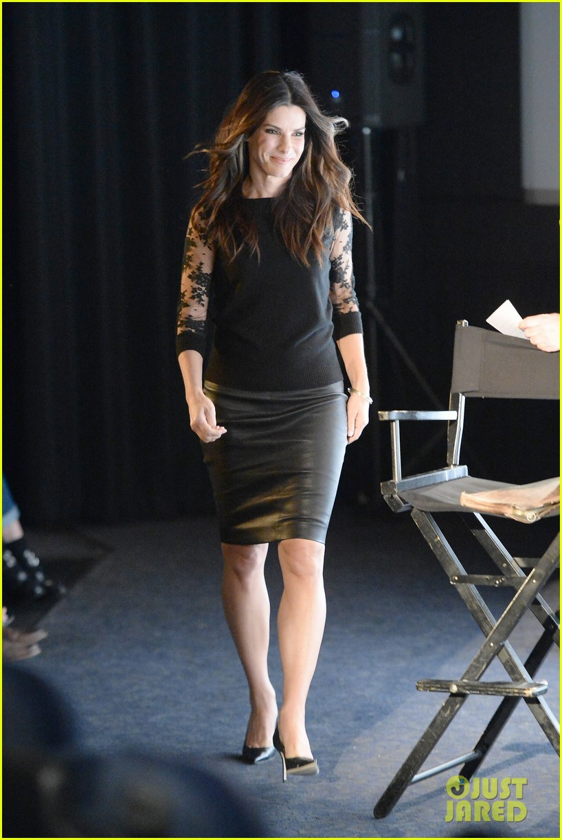 sandra bullock la envelope screening series of gravity 01