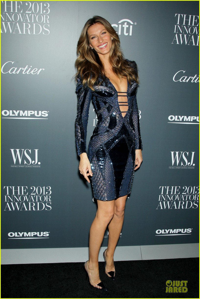 gisele bundchen plunging neckline at wsj magazine awards 082987245