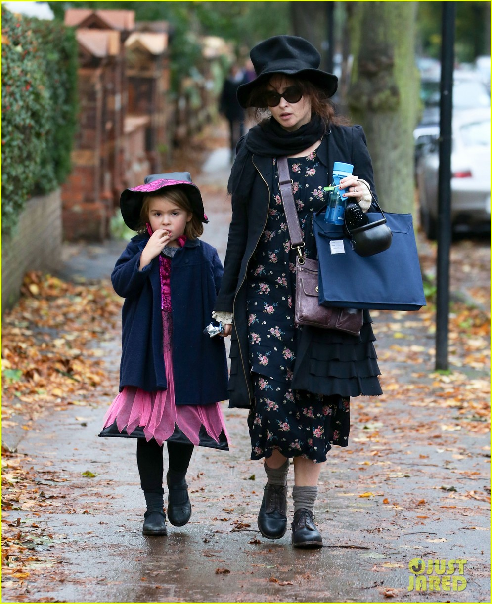 helena bonham carter trick or treats with daughter nell 03