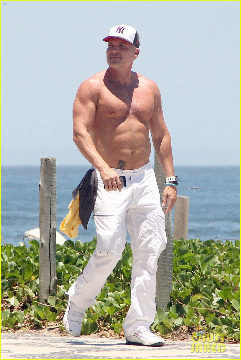 gma sam champion continues shirtless honeymoon 022997433