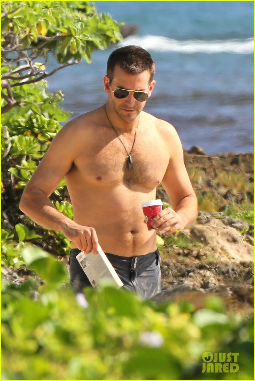 bradley cooper shirtless with john krasinski pregnant bikini clad emily blunt 13