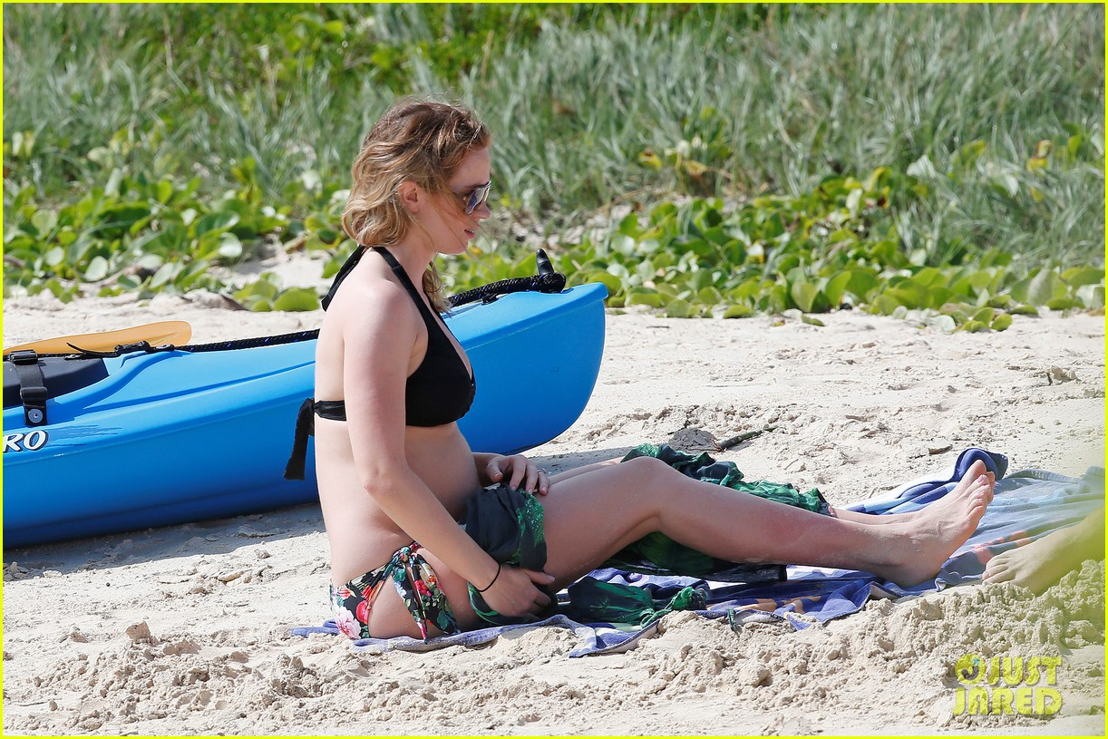 bradley cooper shirtless with john krasinski pregnant bikini clad emily blunt 372996577