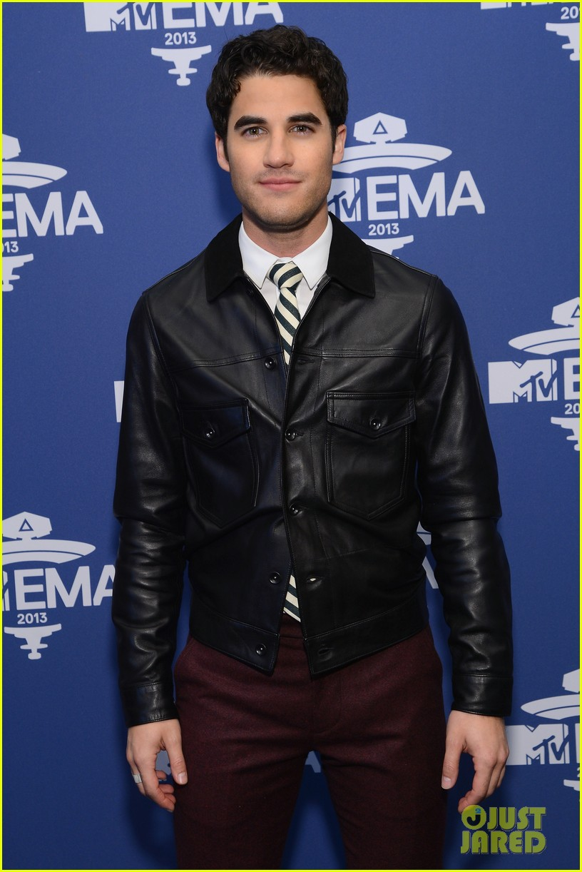 darren criss cher lloyd mtv ema us telecast meet greet 062990062