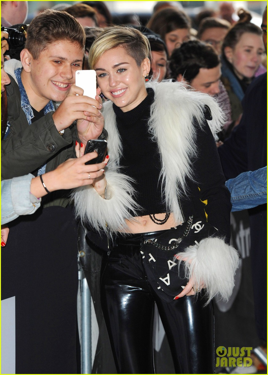 miley cyrus steps out after lighting blunt at mtv ema 2013 172990980