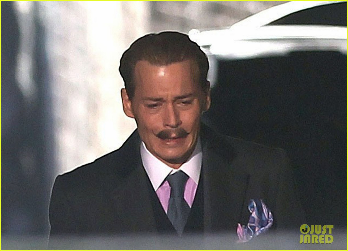 johnny depp mortdecai does great business at afm 06