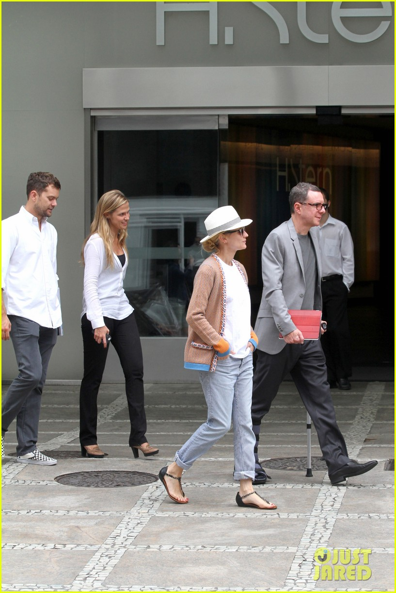 diane kruger joshua jackson lunch with pals in rio 10