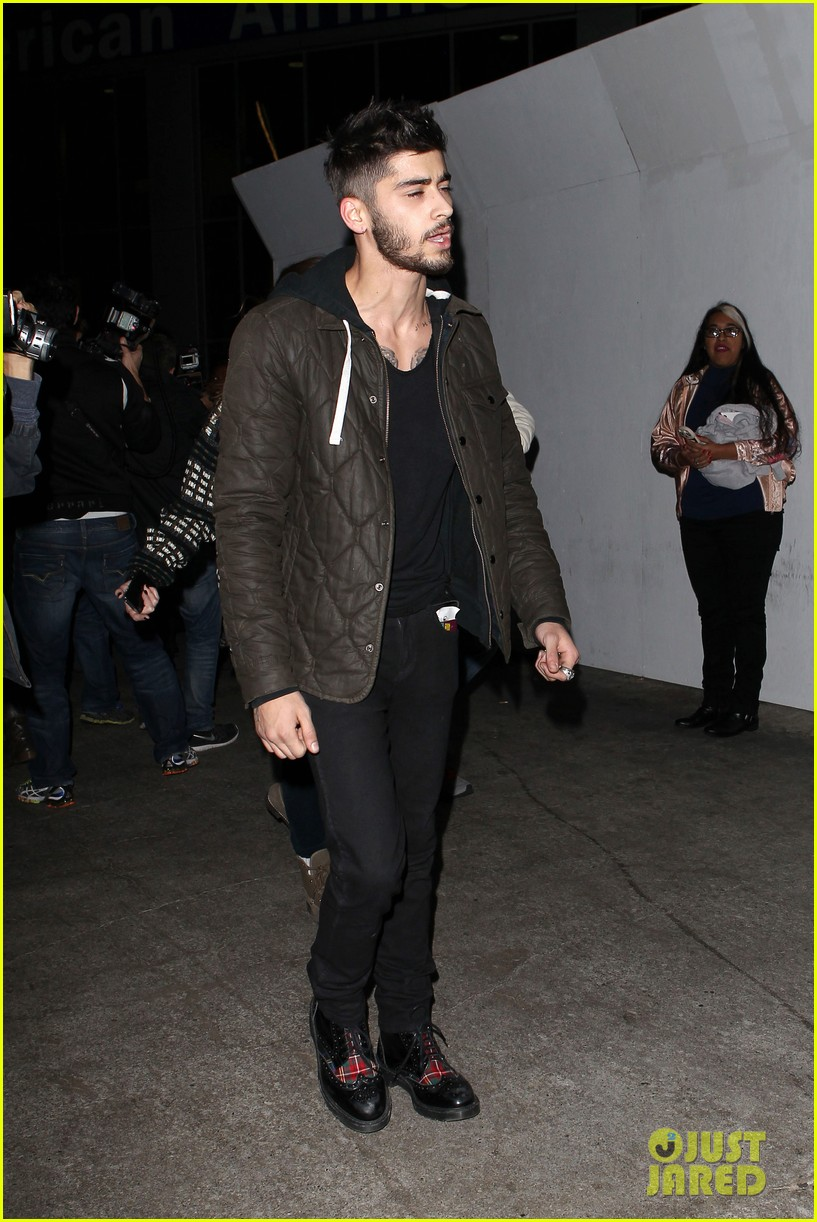 one direction lax arrivial for midnight memories 12