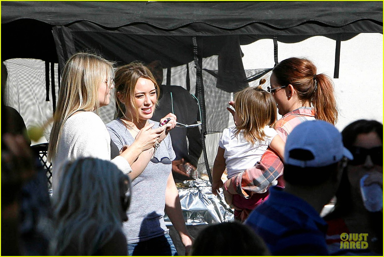hilary duff monday workout after farmer market fun 152990672