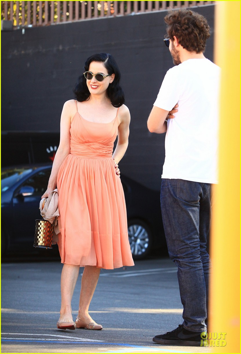 dita von teese skinny jeans are physically emotionally uncomfortable 17