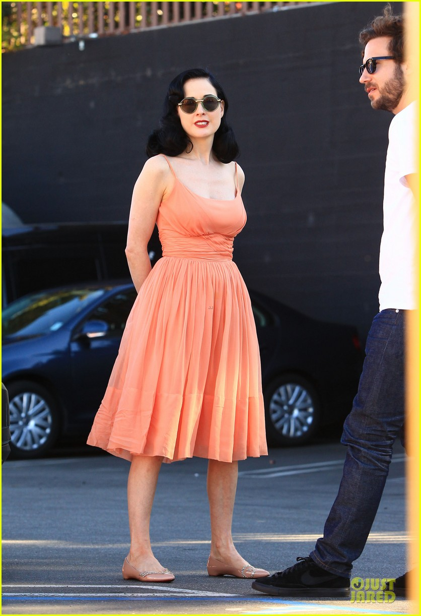 dita von teese skinny jeans are physically emotionally uncomfortable 22