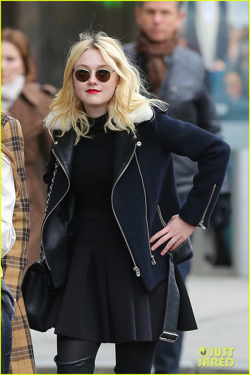 dakota fanning back in new york after franny filming 022991053