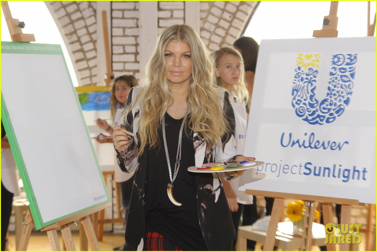 fergie launches global program for universal childrens day 18
