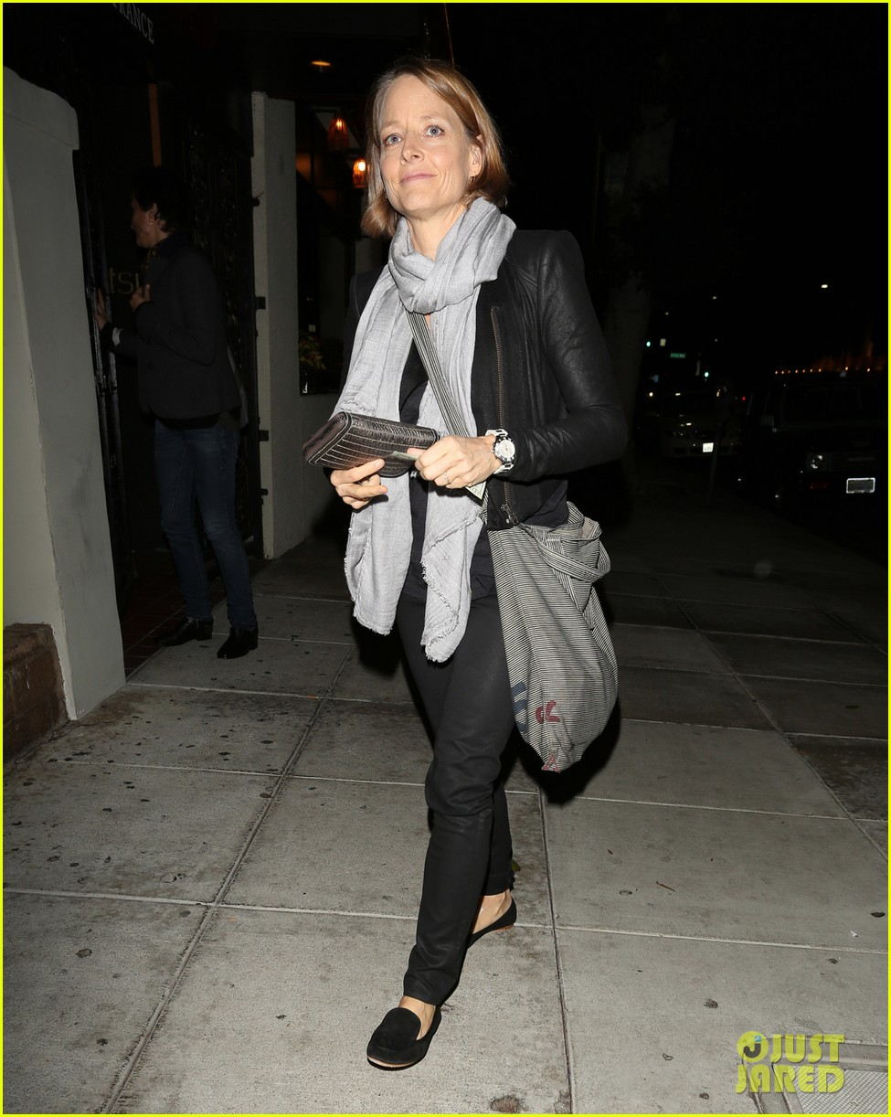 jodie foster enjoys date night with alexandra hedison 012988457