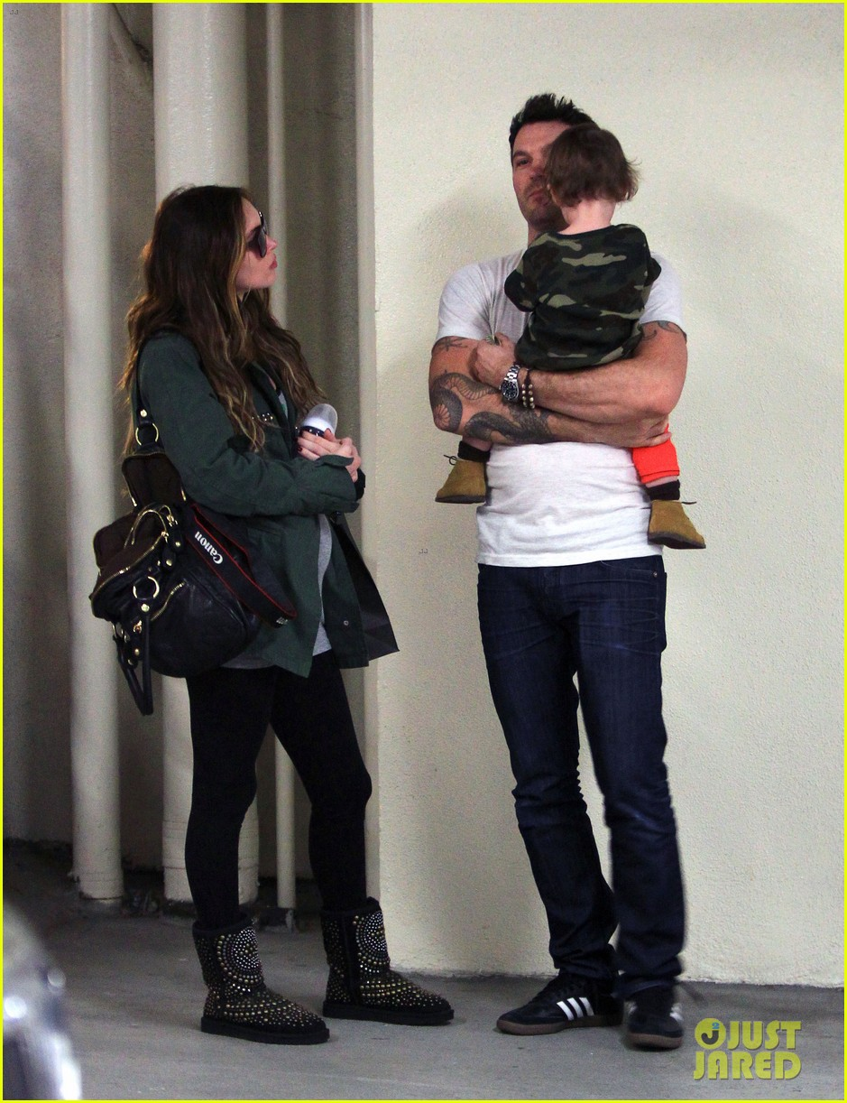 megan fox brian austin green take noah to the doctor 213000965