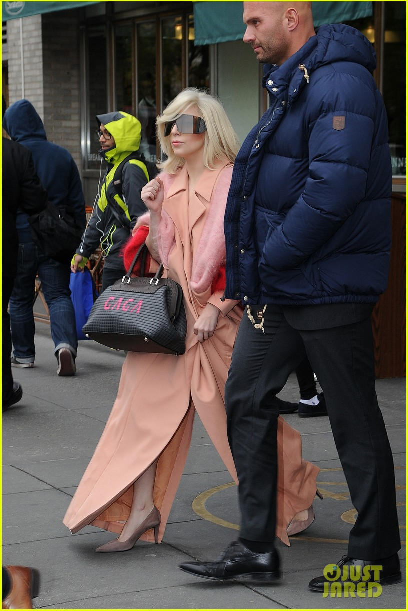 lady gaga greets fans after saturday night live rehearsals 012991373