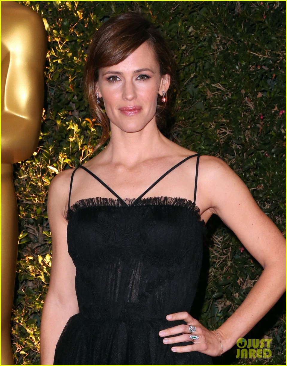jennifer garner governors awards 2013 red carpet 04