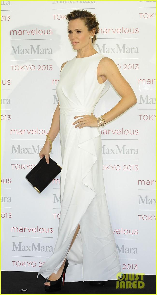 jennifer garner max mara presentation in japan 012986524