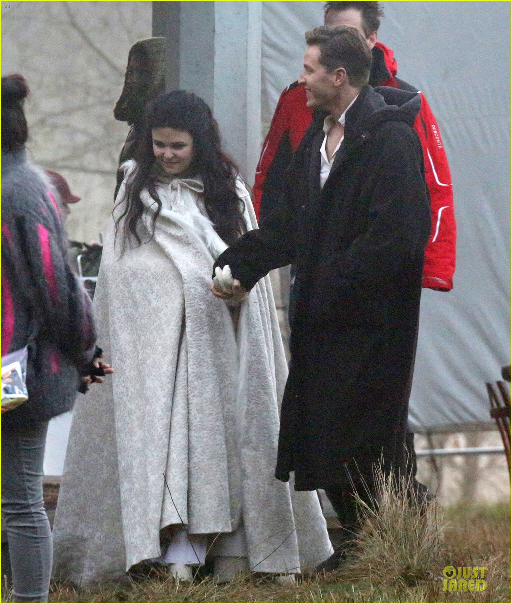 ginnifer goodwin covers baby bump on once set 06