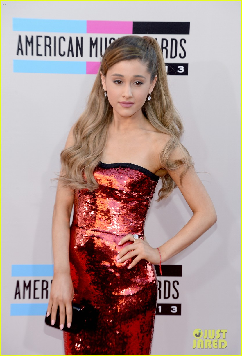 ariana grande amas 2013 red carpet 10