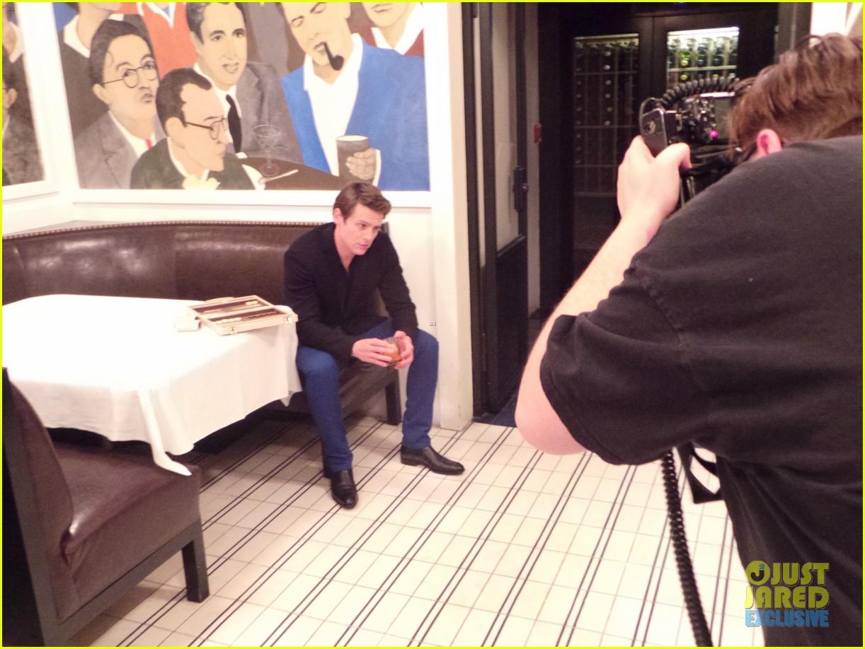 jonathan groff jj spotlight of the week behind the scenes pics 04