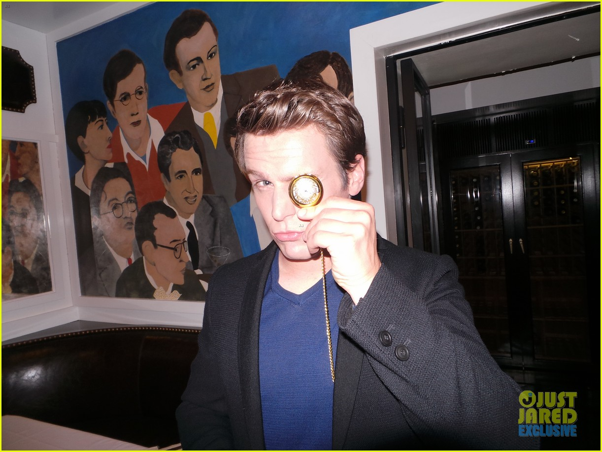 jonathan groff jj spotlight of the week behind the scenes pics 06