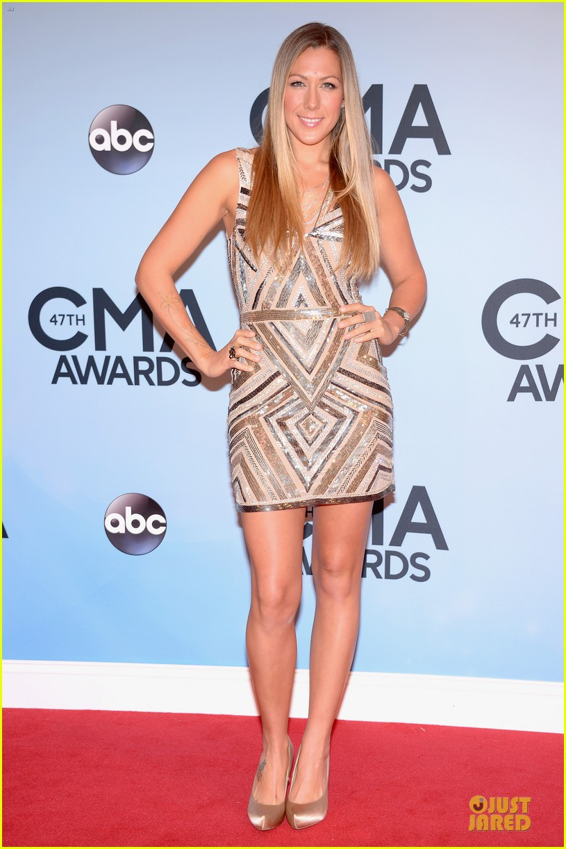 lucy hale colbie caillat cma awards 2013 red carpet 03