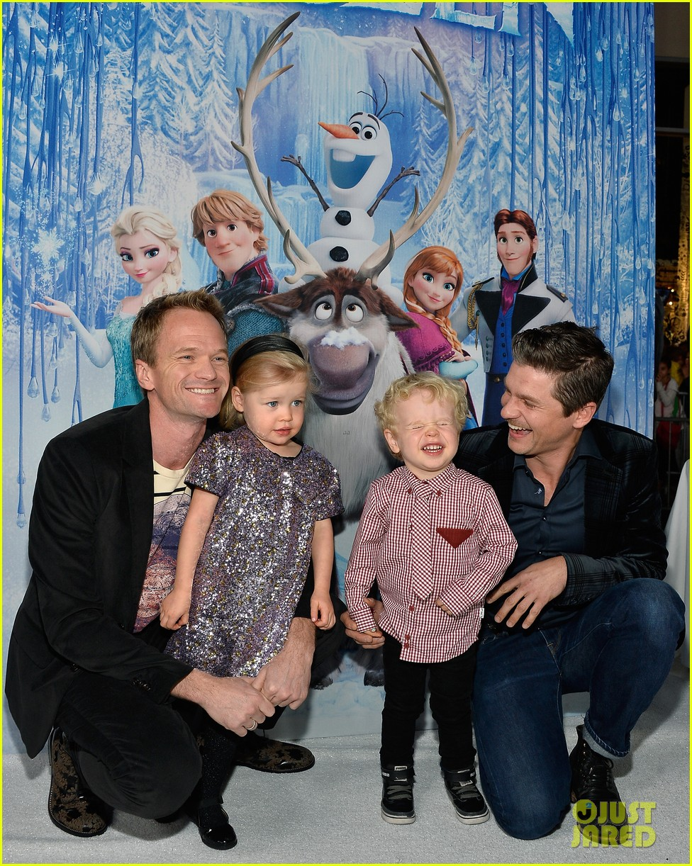 neil patrick harris frozen premiere with the family 052996439