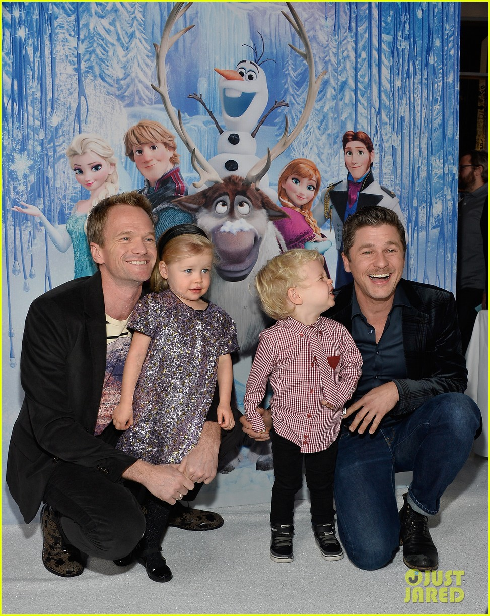neil patrick harris frozen premiere with the family 082996442