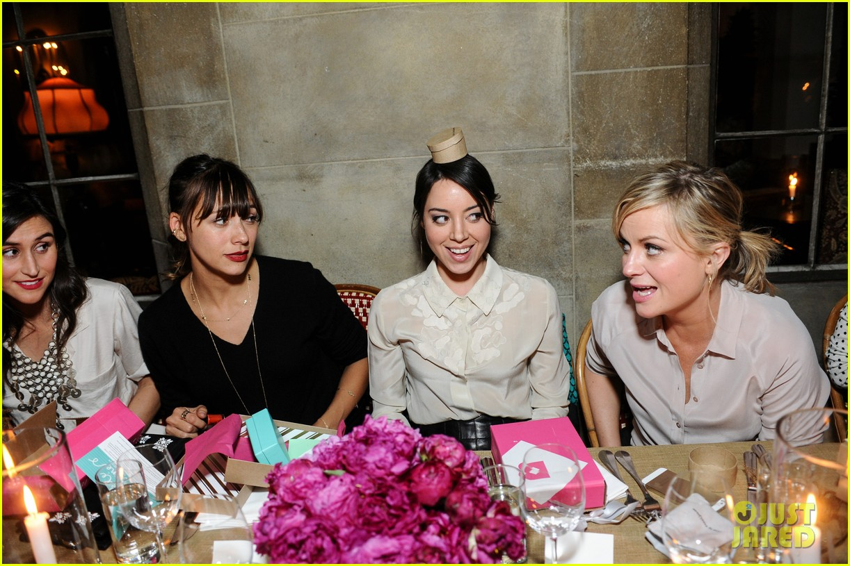 anne hathaway rashida jones fine by dannijones dinner 132992788