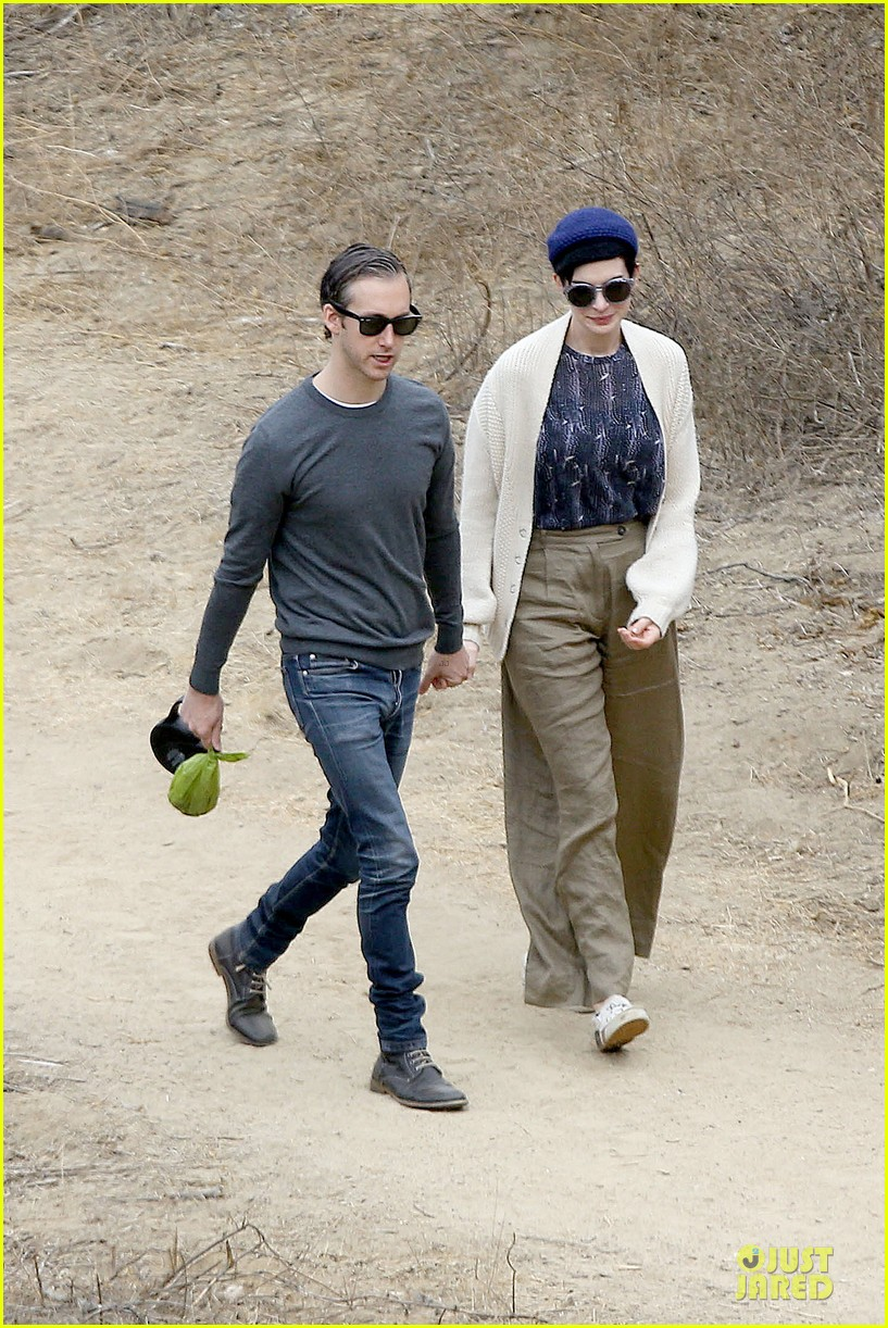 anne hathaway adam shulman hold hands for intimate walk 04