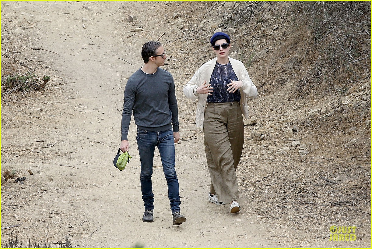 anne hathaway adam shulman hold hands for intimate walk 32