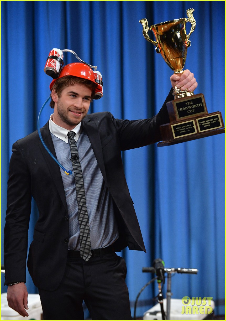 liam hemsworth wins cooler cart race on jimmy fallon 082997715