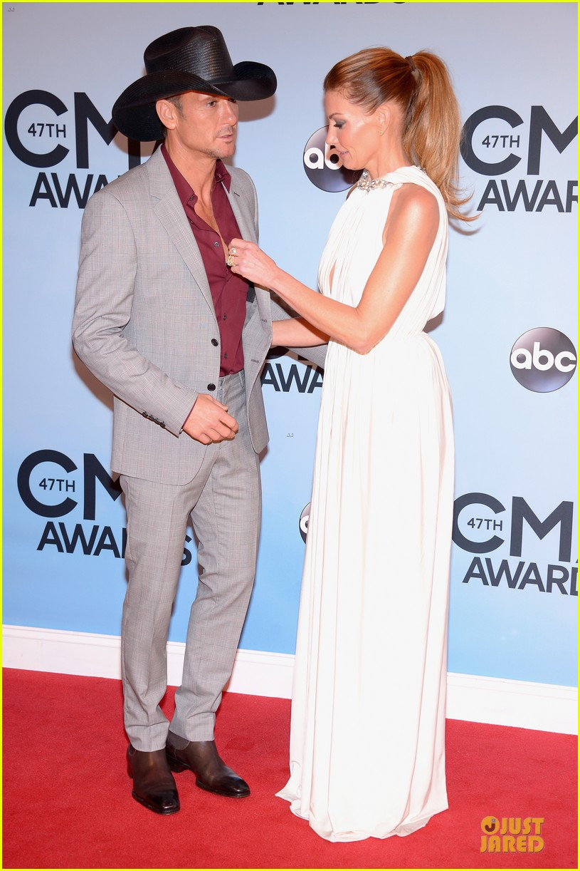 faith hill tim mcgraw cma awards 2013 red carpet 082987220