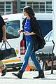 katie holmes heads home from cape town for thanksgiving 04
