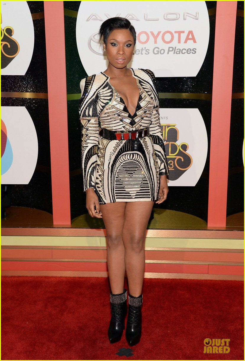 jennifer hudson ashanti soul train awards 2013 red carpet 01