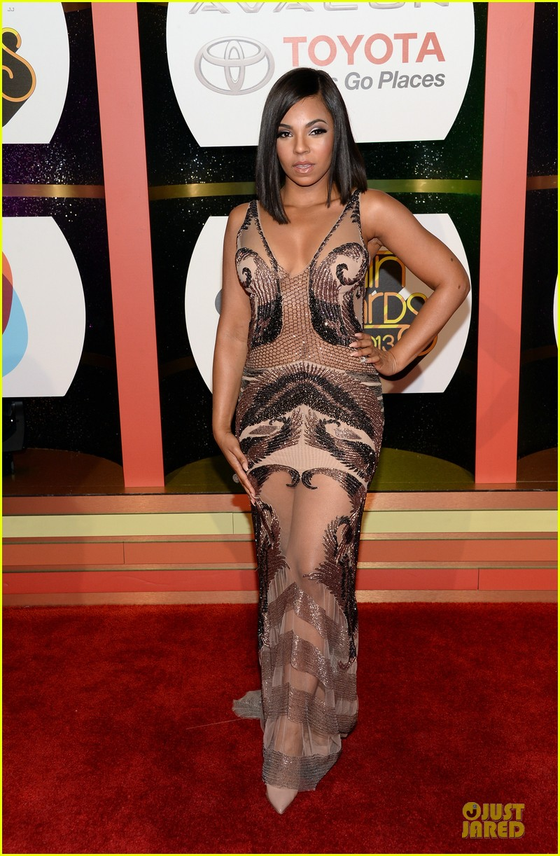 jennifer hudson ashanti soul train awards 2013 red carpet 032988736