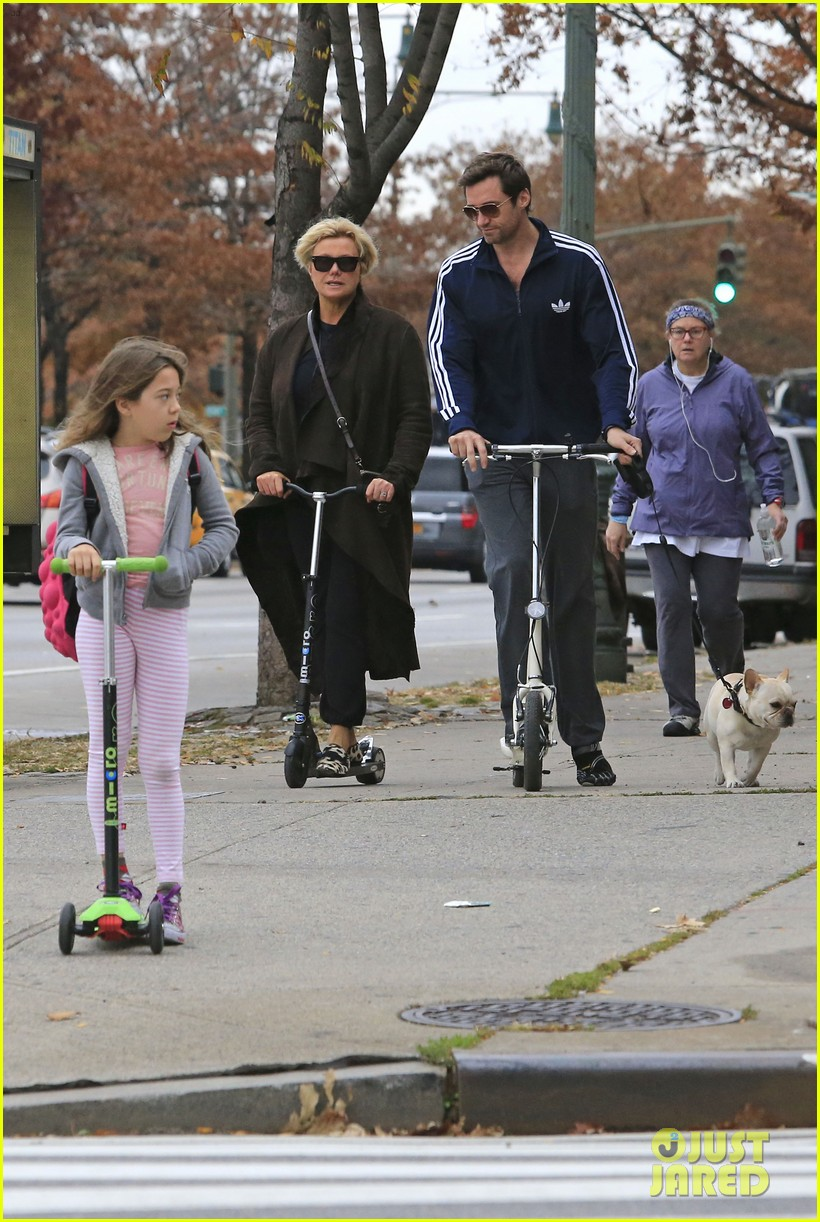 hugh jackman steps out with familly after wolverine news 03