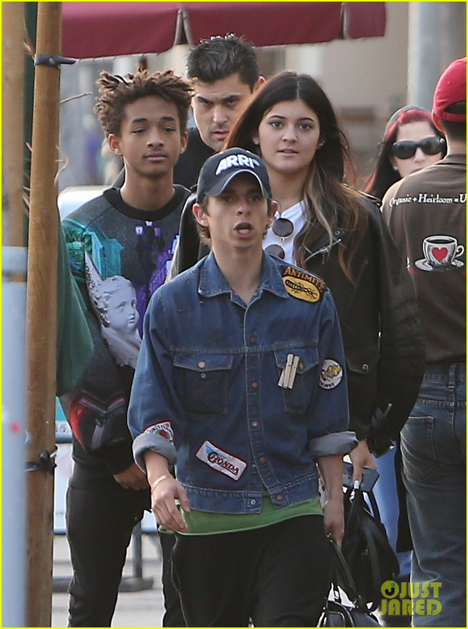 jaden smith kylie jenner shop dine with larger group 022996501